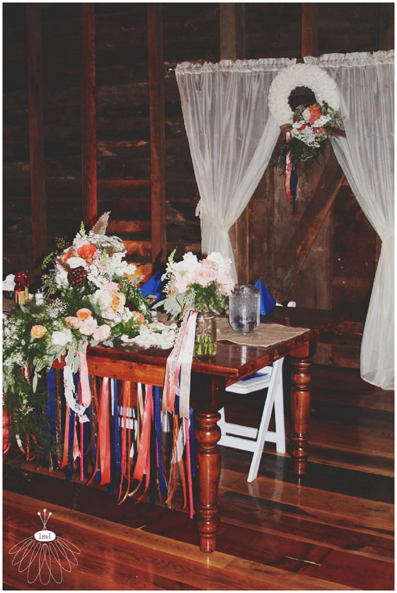 sweetheart table decorations and flowers the country barn lancaster pa