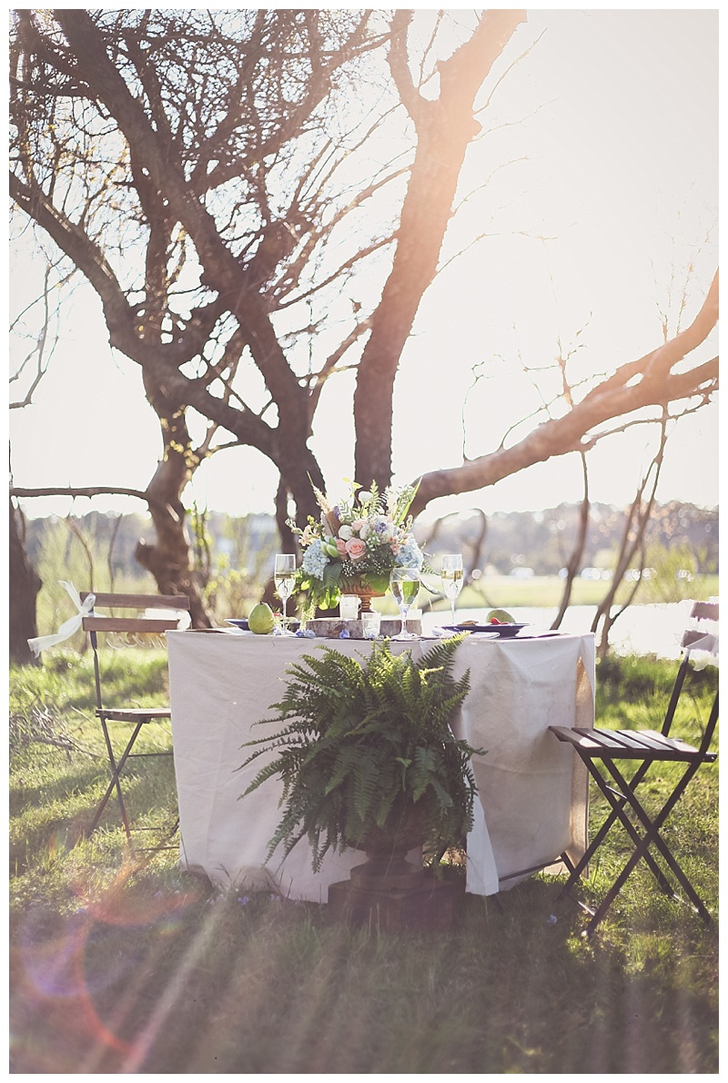Woodsy Bohemian Spring Styled Bridal Shoot // Little Miss Lovely // Photo by Sarah Murray Photography