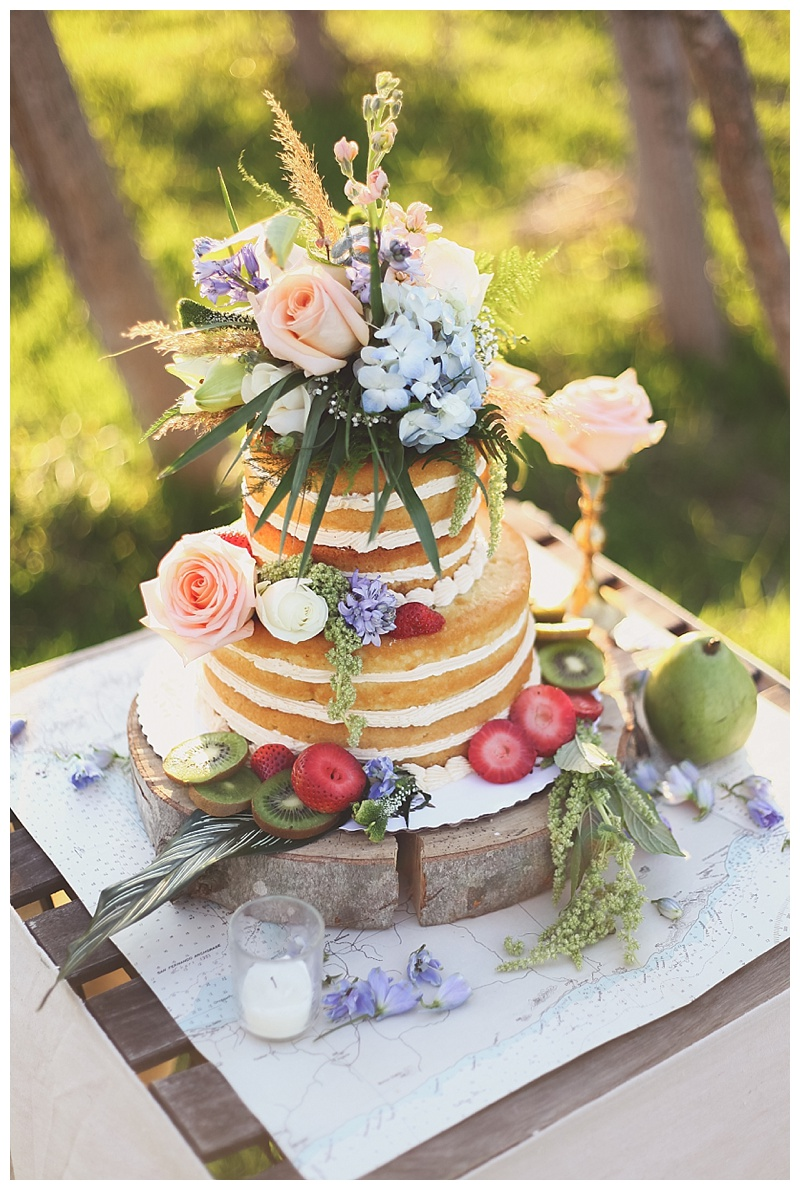 2014-05-06_0028Woodsy Bohemian Spring Styled Bridal Shoot // Little Miss Lovely // Naked Cake by Desserts by Rita with flowers by LML