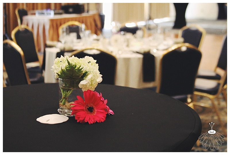 little miss lovely // ocean city md wedding florist // clarion hotel wedding // reception cocktail table flowers