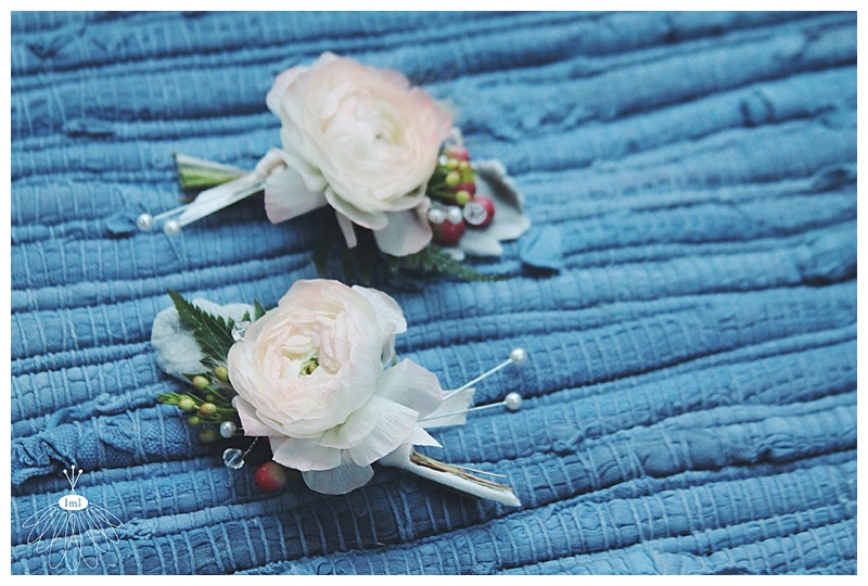 little miss lovely // ocean city, md wedding florist // beach wedding // ivory ranunculus berry boutonniere