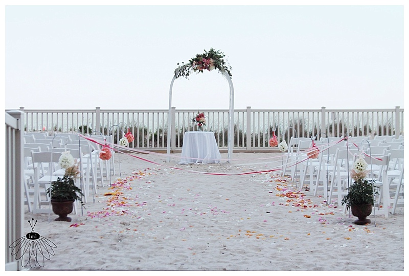 little miss lovely // ocean city, md wedding florist // beach wedding // Golden Sands
