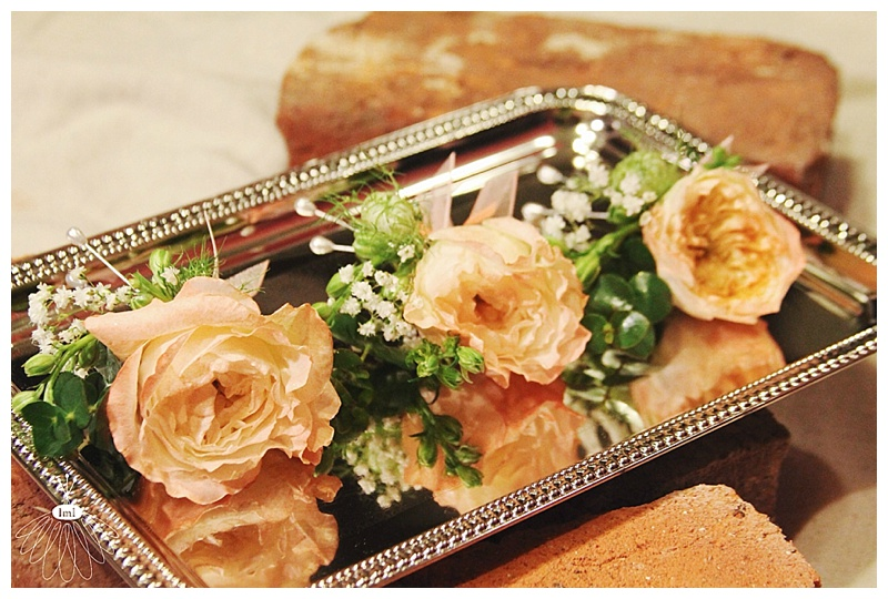 little miss lovely // ocean city md // peach english garden rose boutonnieres
