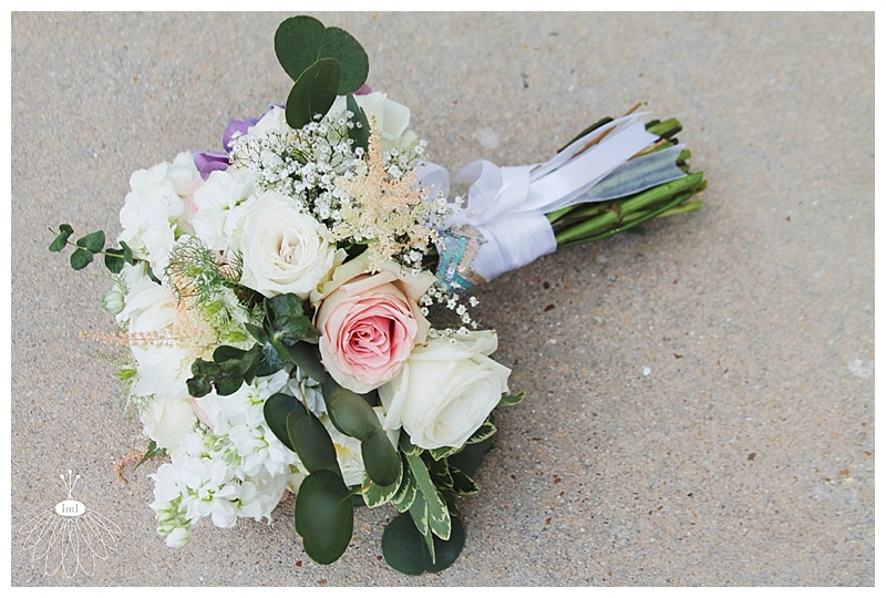 little miss lovely // ocean city md wedding event florist // bridal bouquet // ivory, white, peach