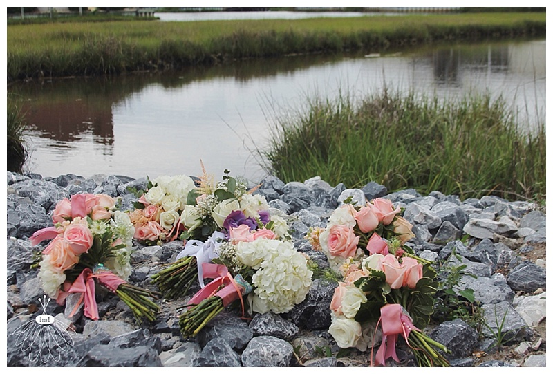 little miss lovely // ocean city md // peach ivory mint wedding bouquet