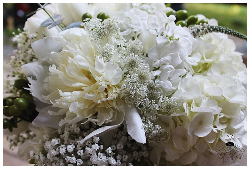little miss lovely // ocean city md wedding florist // white peony wedding flowers
