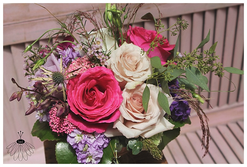 little miss lovely // ocean pines md wedding florist // pink roses, tan roses, purple rose centerpiece