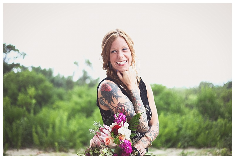 assateague island bridal inspiration // tan and black wedding // little miss lovely florist