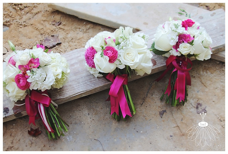 Little Miss Lovely // White and Pink Bridesmaid Bouquets