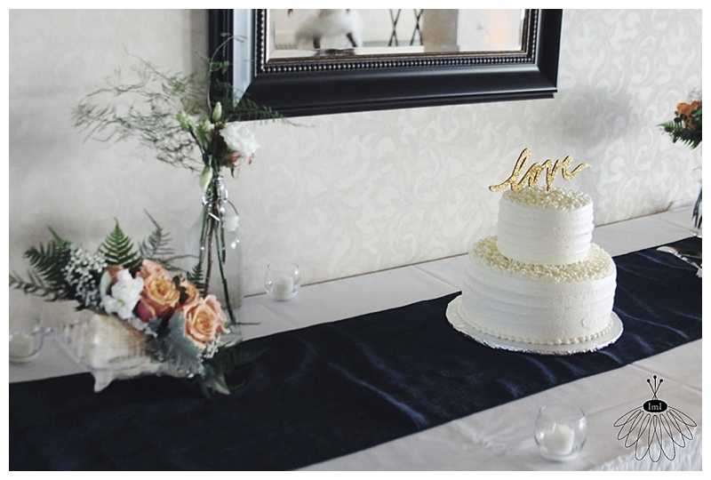 little miss lovely // rehoboth beach country club wedding cake
