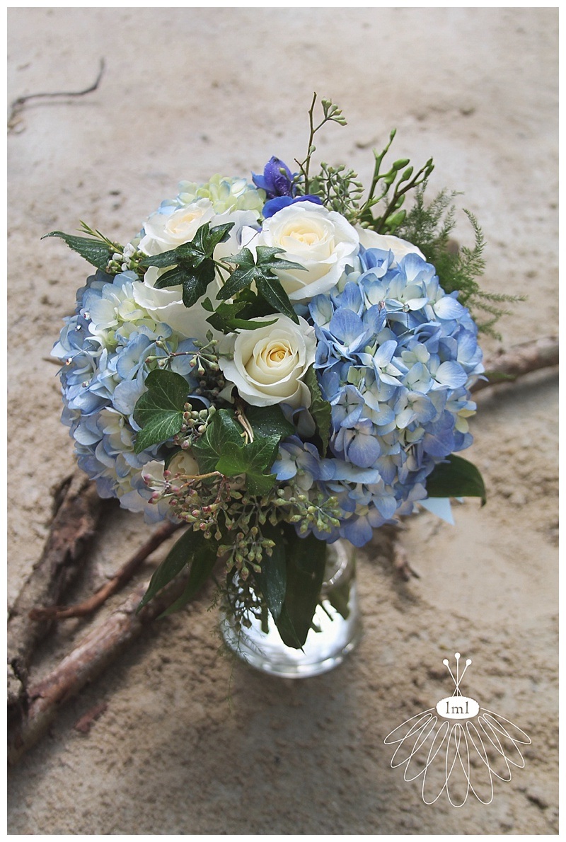 little miss lovely // blue hydrangea white rose bouquet
