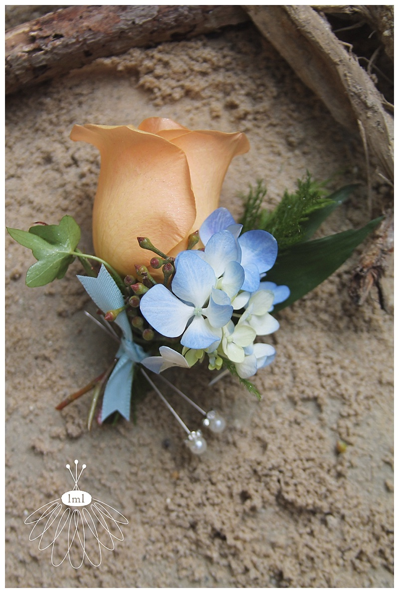 little miss lovely // blue hydrangea peach rose boutonniere ocean city wedding florist