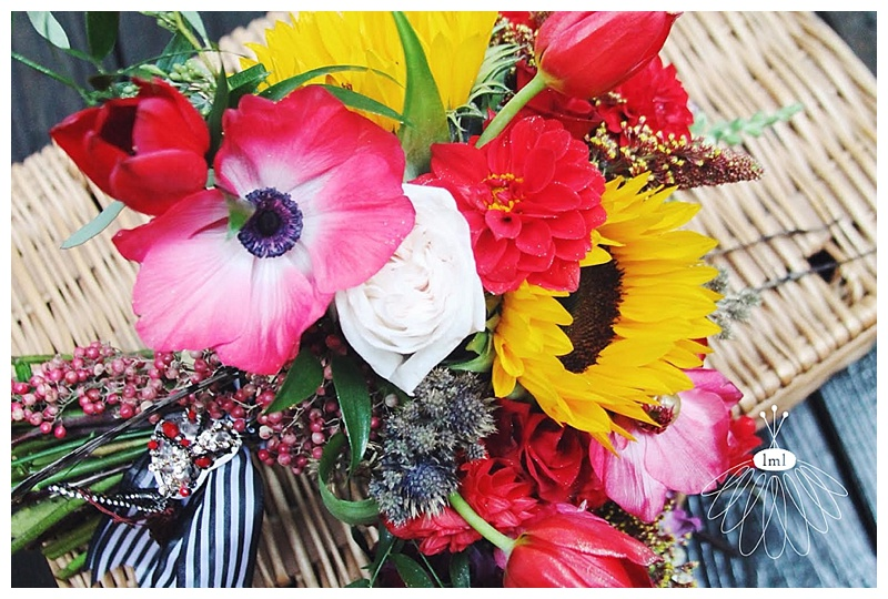 little miss lovely // berlin maryland wedding florist ivory cranberry red sunflower bouquet