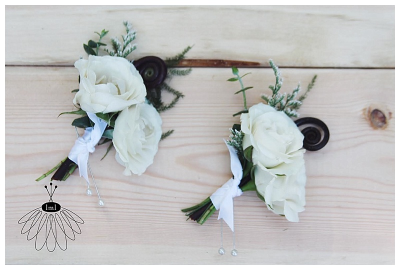 little miss lovely // ocean city wedding florist green and white boutonnieres