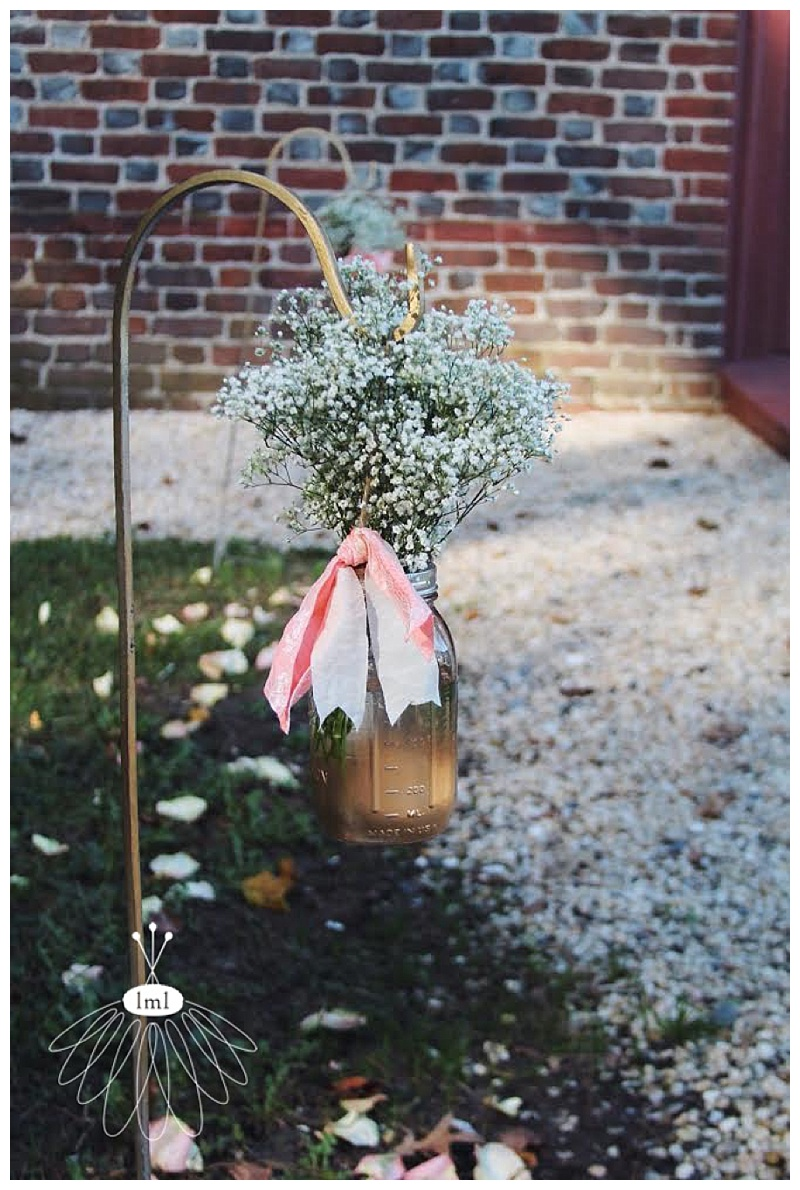 historic st martins wedding with babys breath // little miss lovely // berlin md wedding florist