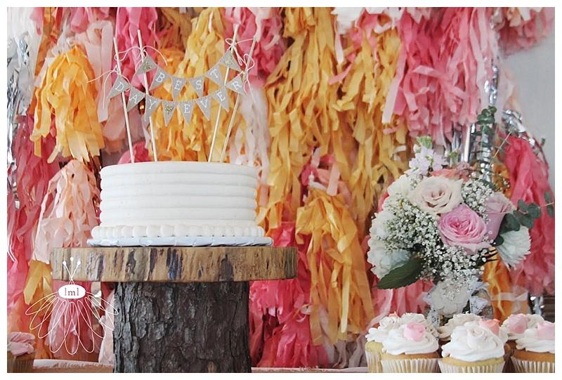 miss patti cake display // ocean pines yacht club // little miss lovely wedding florist