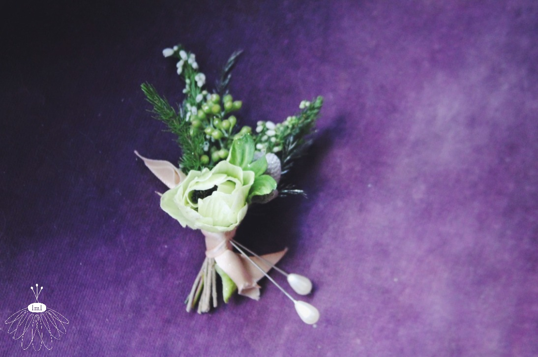 white anemone groom boutonniere // little miss lovely // west ocean city maryland florist