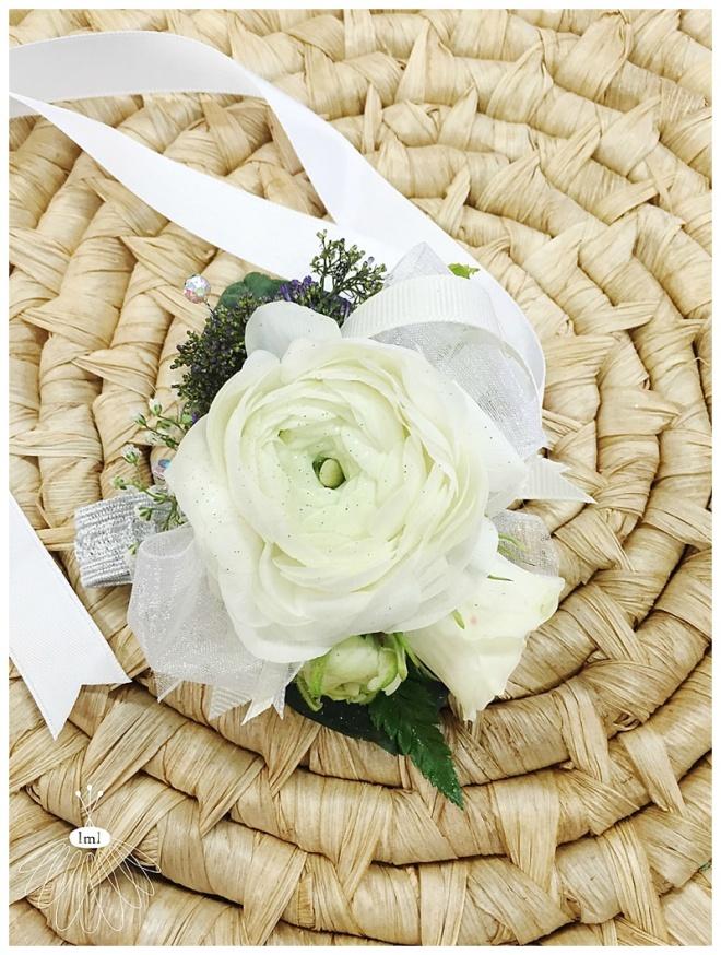 little miss lovely floral design // mother corsages // ocean city wedding florist
