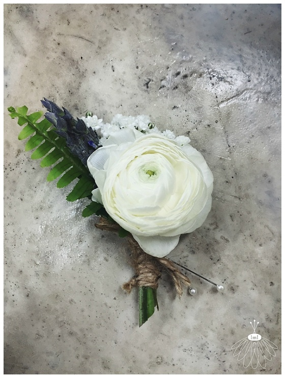 little miss lovely // ocean city maryland wedding florist // purple and white beach wedding // white ranunculus and lavender boutonniere