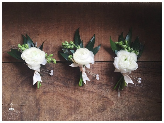 little miss lovely floral design // white ranunculus groom boutonniere // poplar hill mansion wedding