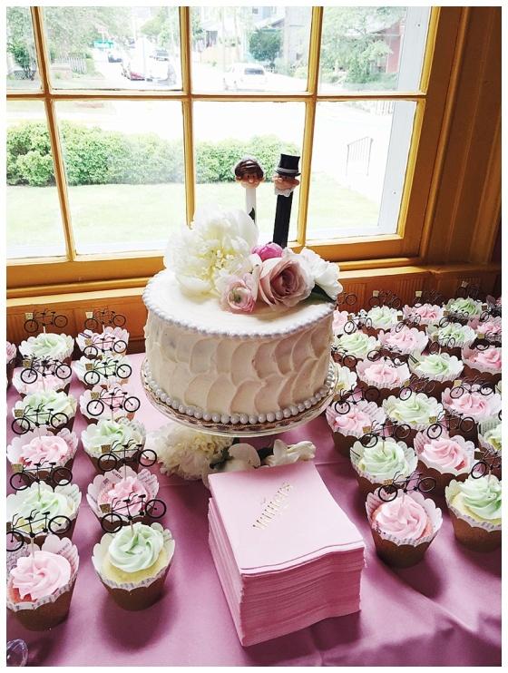 little miss lovely floral design // poplar hill mansion wedding