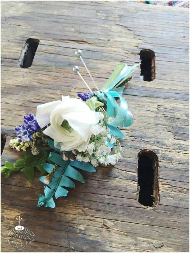 little miss lovely floral design // turquoise and white groom boutonniere